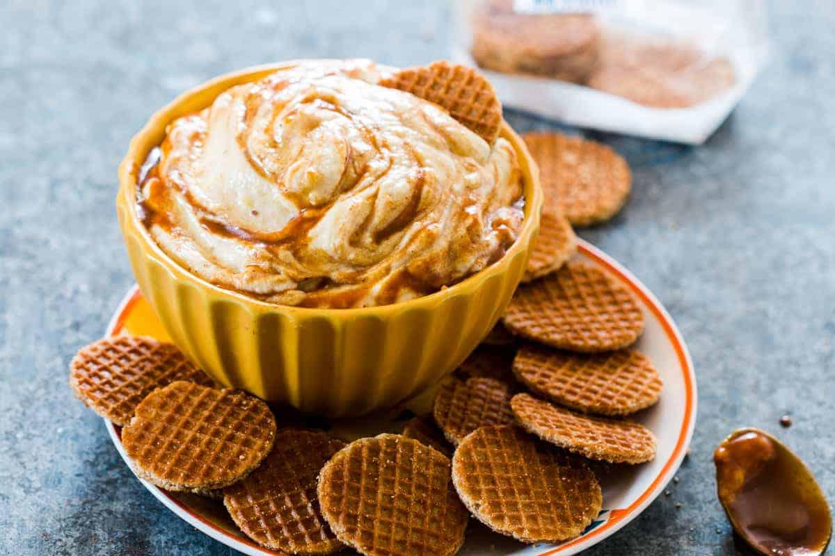 Caramel Pumpkin Pie Cheesecake Dip - Easy Holiday Appetizer
