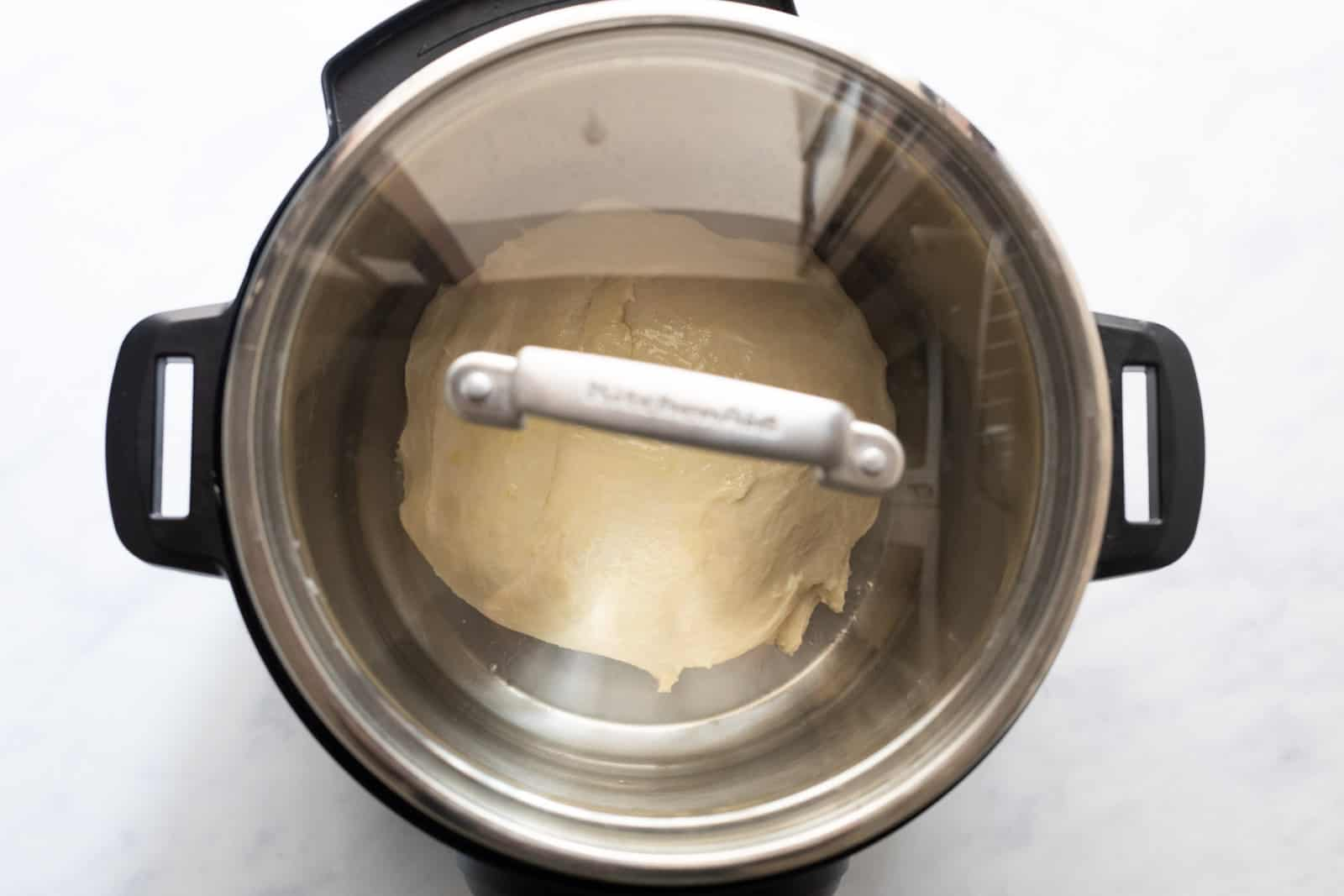 Glass lid on the dough to let the dough proof
